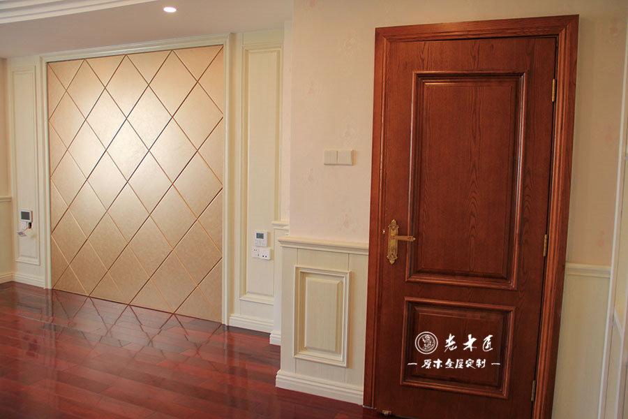 二楼走廊原木护墙板装修效果图