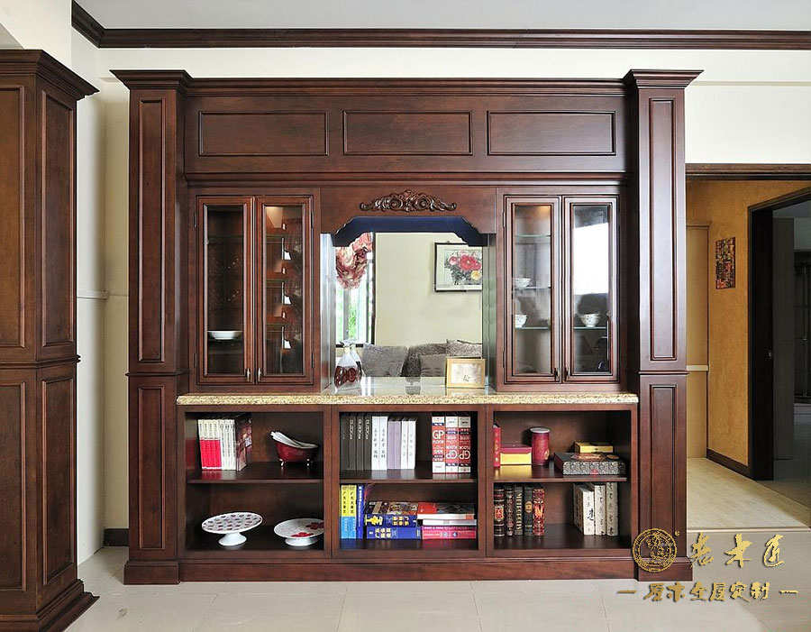 原木餐边柜装修效果图