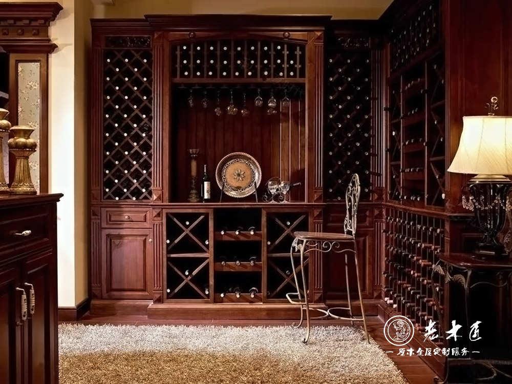 尺寸可定制 规格:颜色可定制 价格:按每平米计算 产品介绍:  原木酒柜