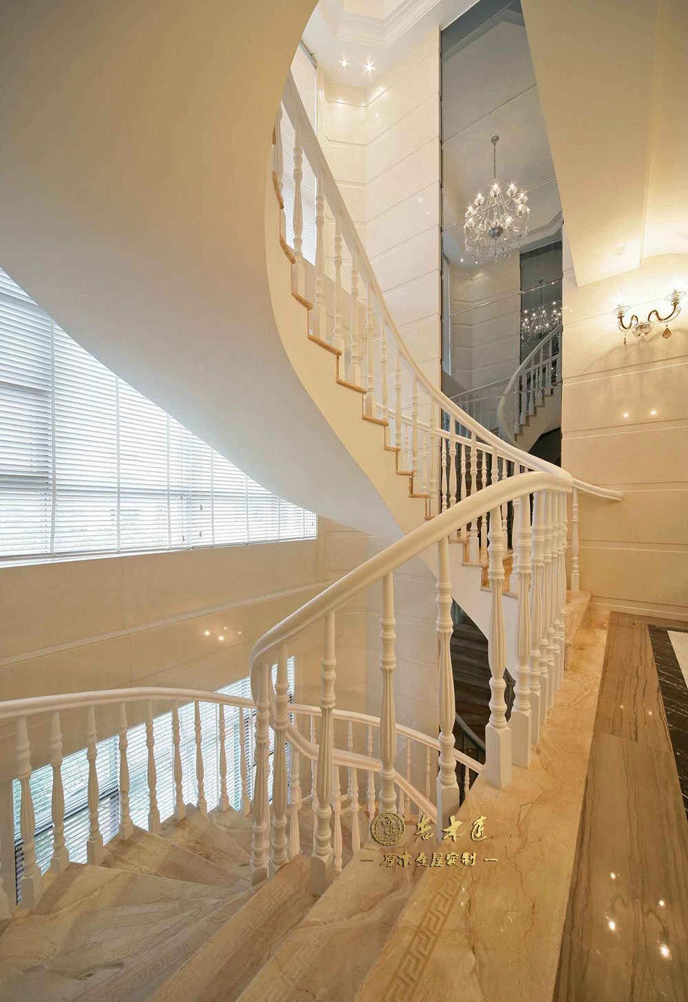 原木楼梯扶手设计图片