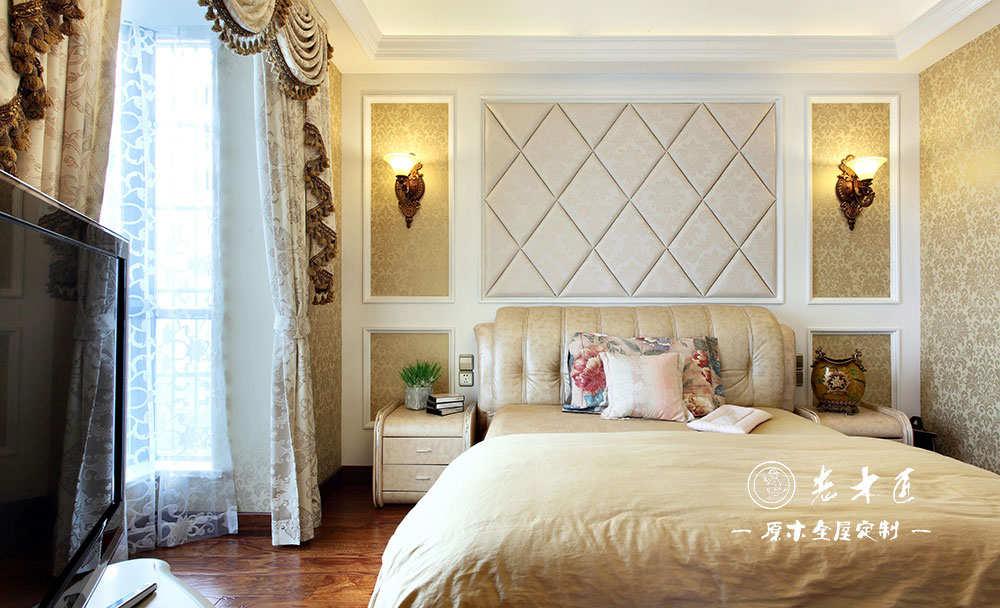 家庭主卧室实木背景墙装修图片