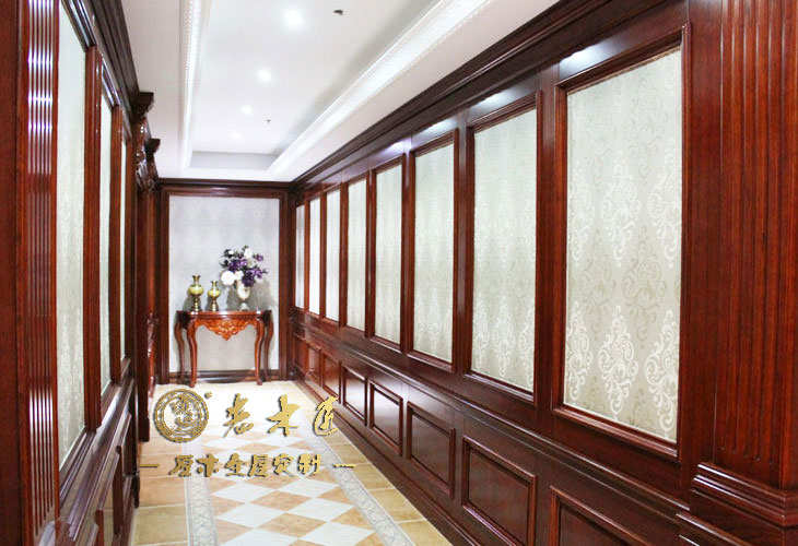 走廊实木护墙板装修效果图