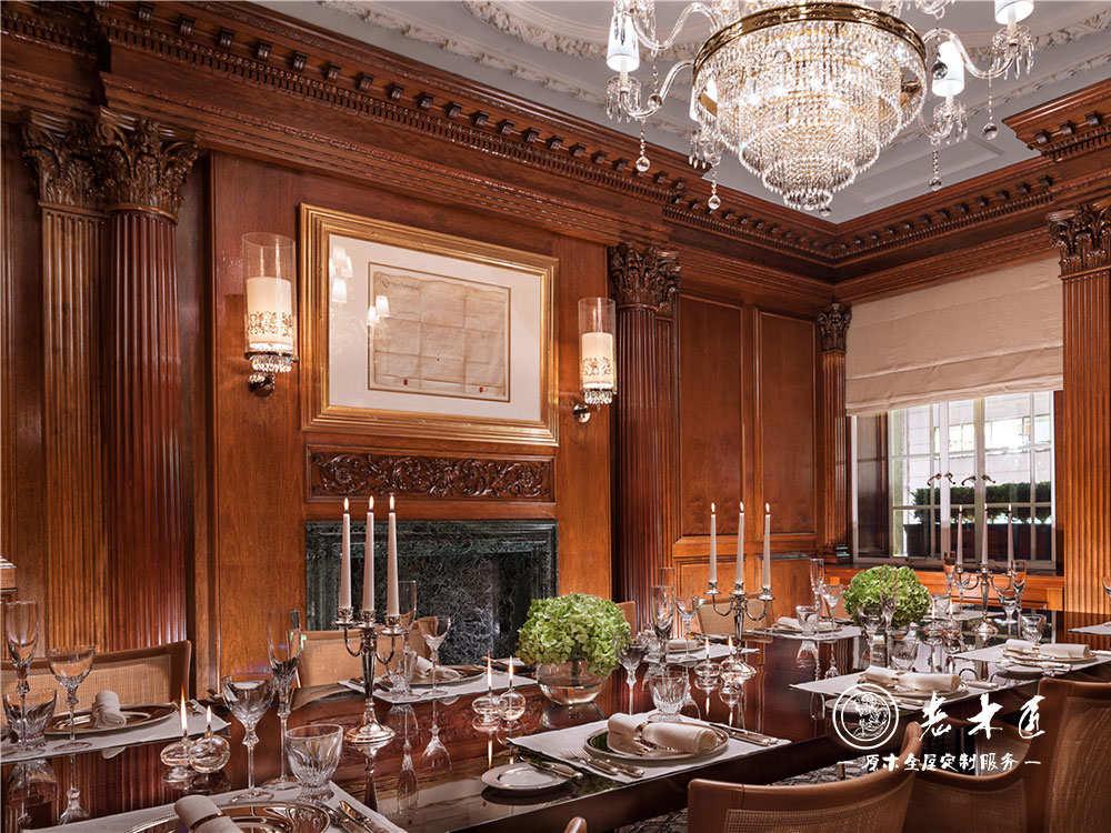 产品介绍:  室内装修就选老木匠高端原木装修,客厅护墙板定做尺寸需要