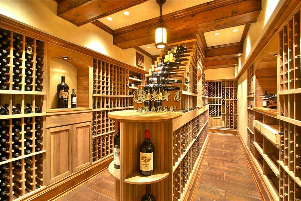 实木酒窖定制图片 欧式酒窖图片