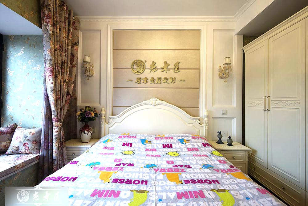 欧式卧室床头背景墙定制材料 实木背景墙材料