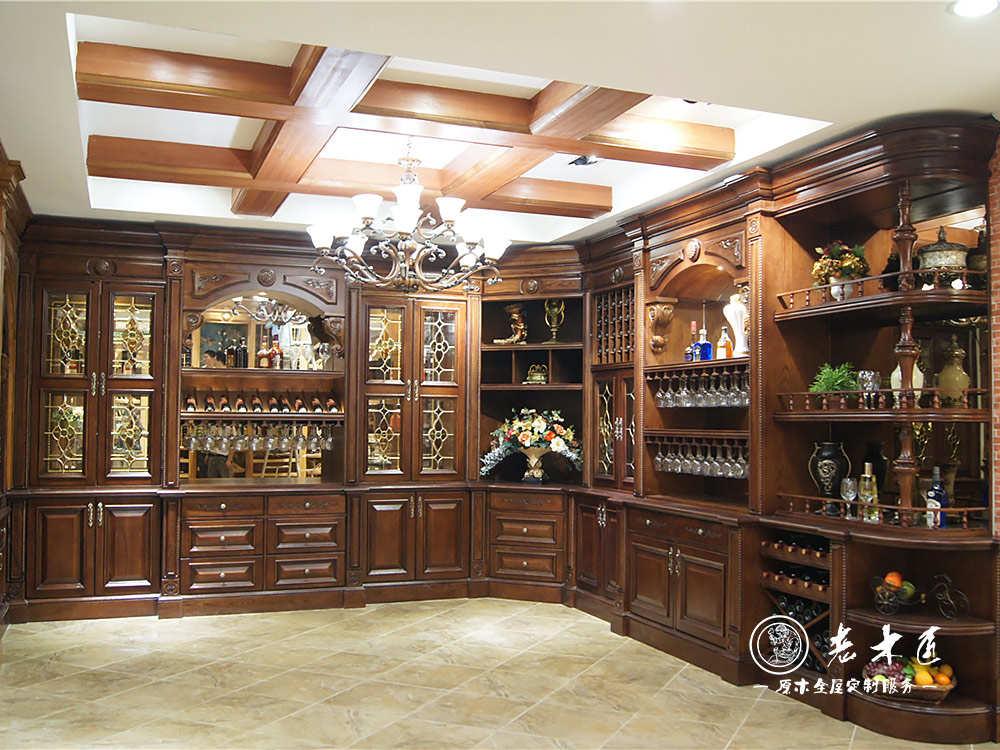 产品介绍:  欧式酒柜厂家,选老木匠整木定制,家居行业领先品牌,武汉酒图片